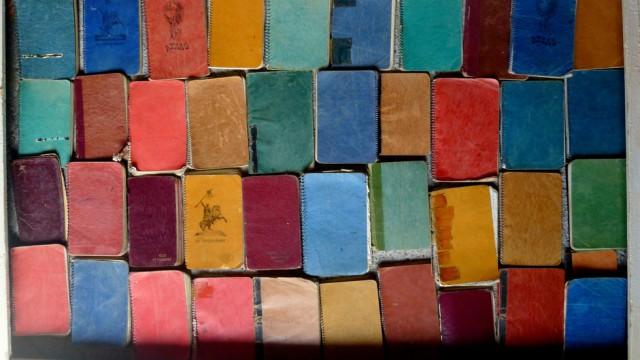 The Haberdasher's Diaries/Journal d'un Mercier